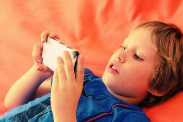 criancas_smartphone